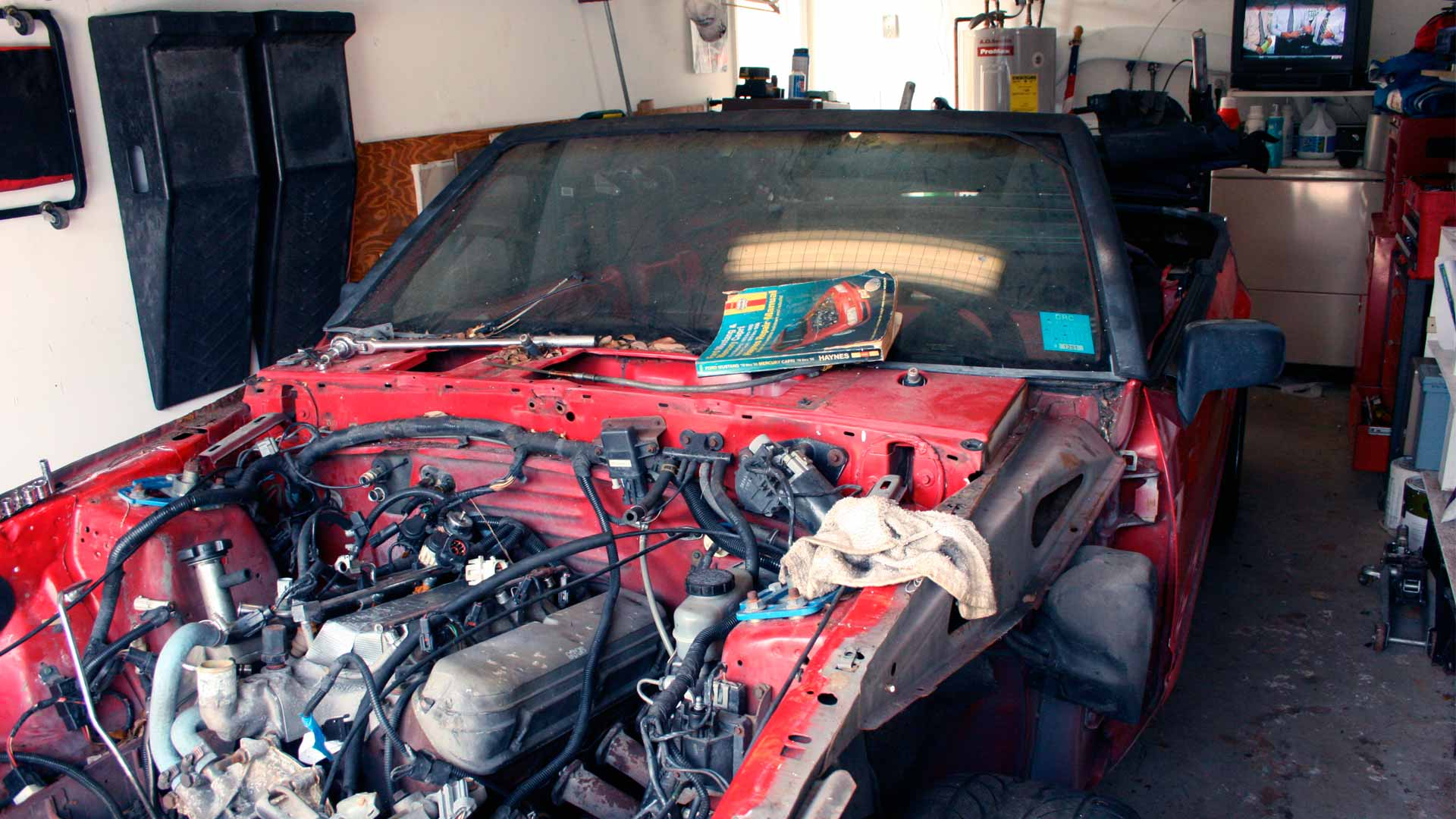 Builiding a Mustang for 24 Hours of Lemons 101